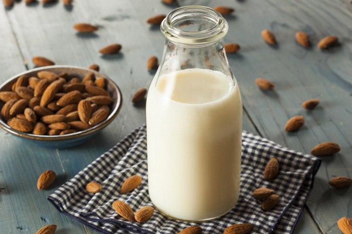 Миндальное молоко – панацея? Что нам следует знать об этом продукте?