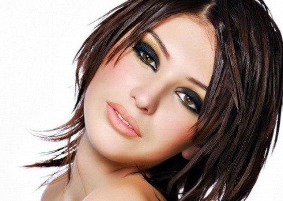 Лучшая стрижка на тонкие волосы средней длины: рекомендации парикмахеров