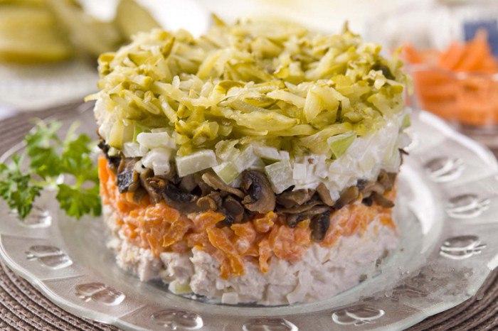 Как можно приготовить салат «Обжорка» с говядиной?
