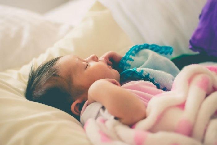 Укладываем ребенка спать днем: легко, быстро и без слез