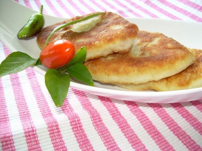 Приготовление жареных пирожков с капустой из различных видов теста