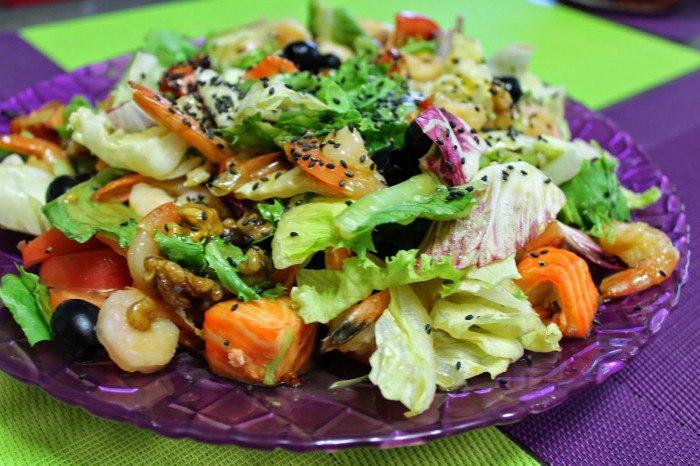 Как приготовить вкусный теплый салат