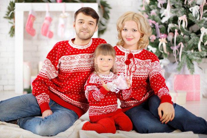 Стиль «Family look»:одинаковые наряды для мамы и дочки, папы, сына и всей семьи
