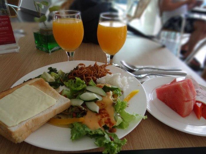 Четыре варианта полезного завтрака во время поста