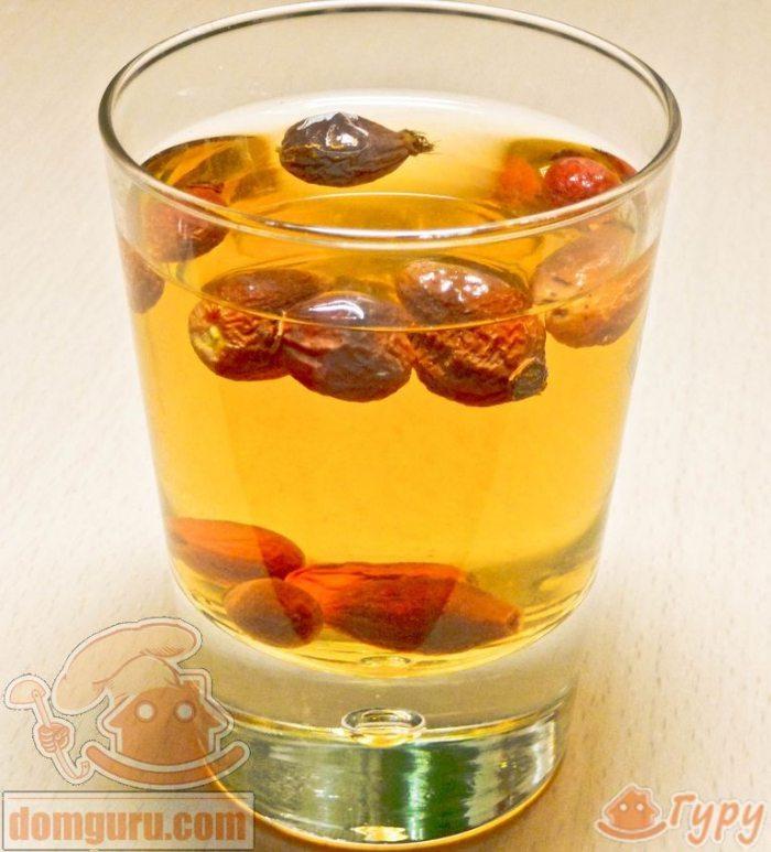 Рецепт компота из шиповника: приготовление полезного и вкусного напитка, его польза и вред