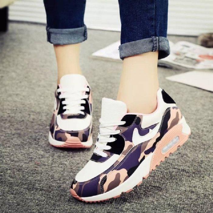 Выбираем модные кроссовки к весне 2016 года