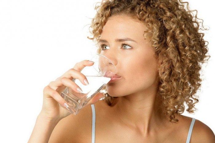 Как, когда и сколько жидкости нужно употреблять каждый день?