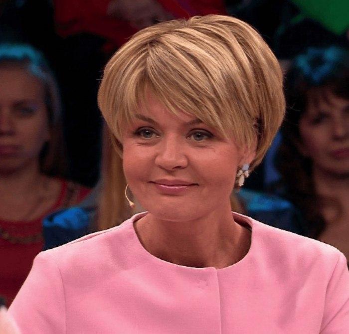 Хотите выглядеть, как Юлия Меньшова? Стрижка «боб-каре» к вашим услугам!