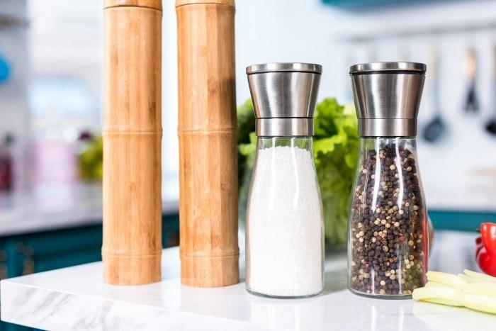 Ищем ответ на вопрос, чем заменить соль при диете?