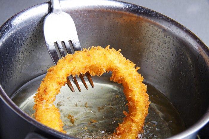 Луковые кольца в кляре: необычное блюдо из простых продуктов