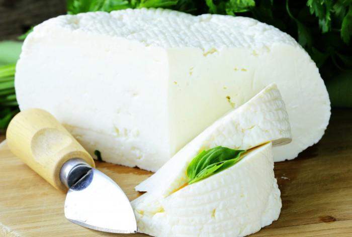 Адыгейский сыр: особенности продукта и рецепты блюд с его использованием