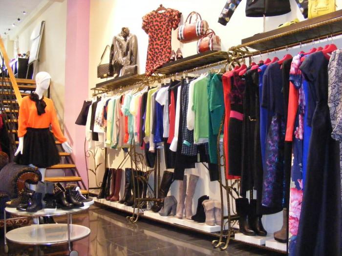 Шоу-рум одежды: как заработать на продаже эксклюзивных брендов