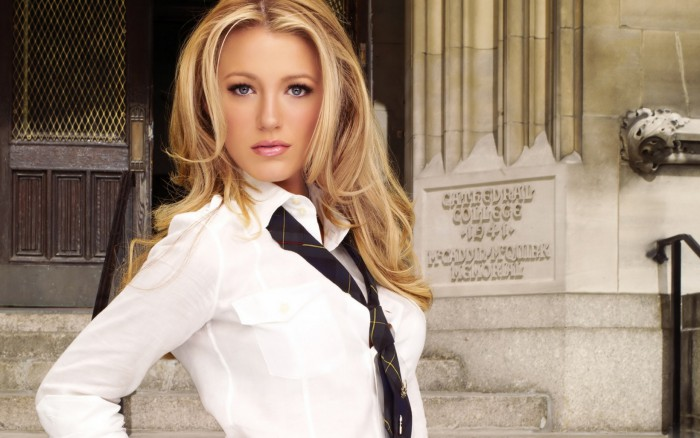 Как красиво завязать женский галстук?