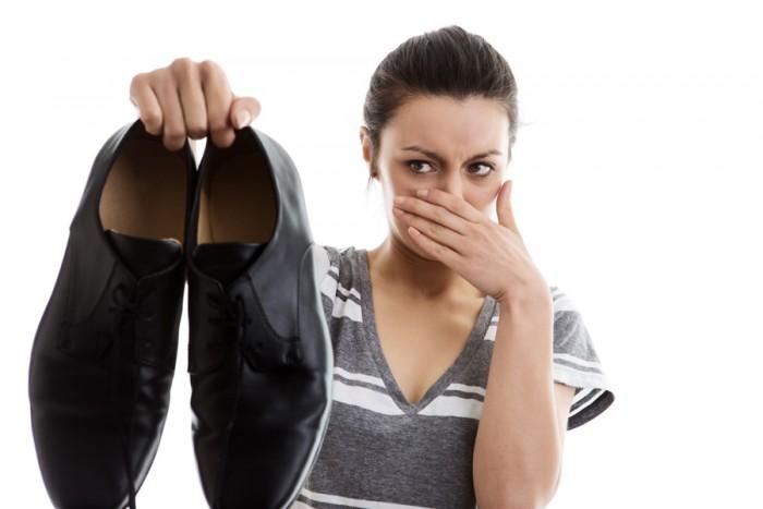 Что сделать, чтобы обувь не воняла?