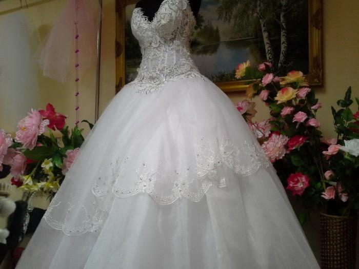 Как сшить свадебное платье своими руками?