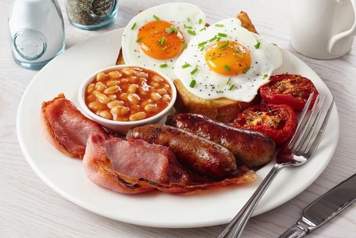 Английский завтрак: необычное сочетание привычных блюд