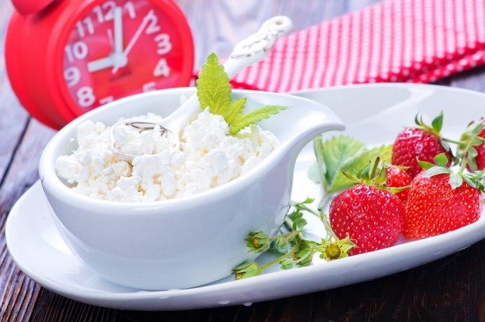 Как приготовить вкусное и сытное блюдо из творога на завтрак?