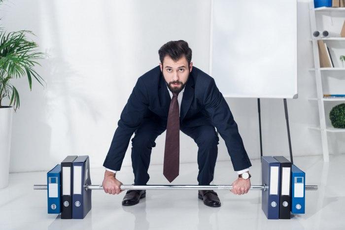 Упражнения для похудения, которые можно делать на работе